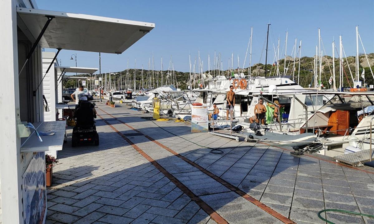 Da qui ci si imbarca per le gite alle isole dell`arcipelago corso e di quello della Maddalena